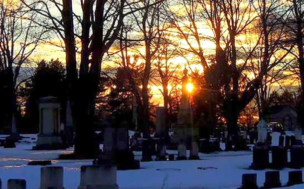 Evergreen Cemetery Free Fall Tours