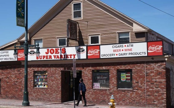 Joe's Smoke Shop: Some Good, Some Bad