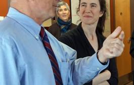 Mayor Visits Neighborhood Entrepreneurs