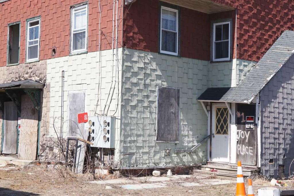 Abandoned multi-unit at 1 Joy Place.