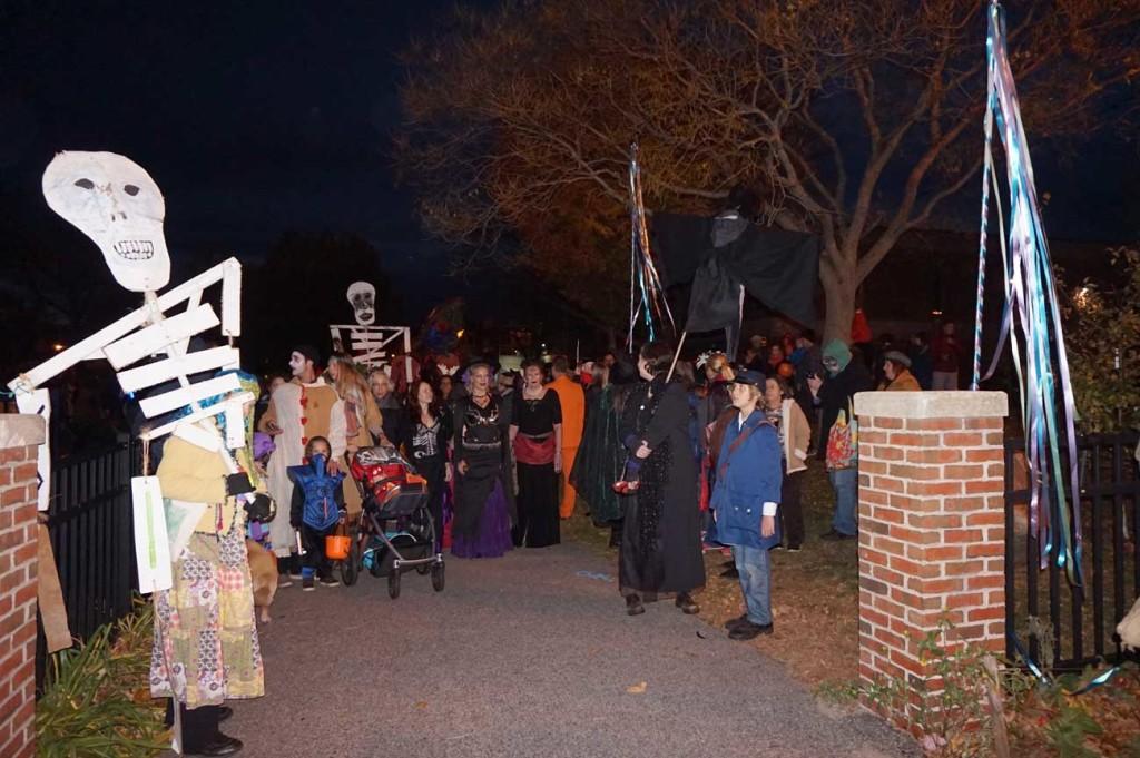 Halloween Parade begins