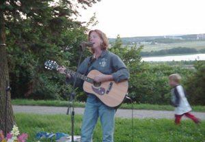 West End News - Sunset Folk Concerts - Darien Brahms