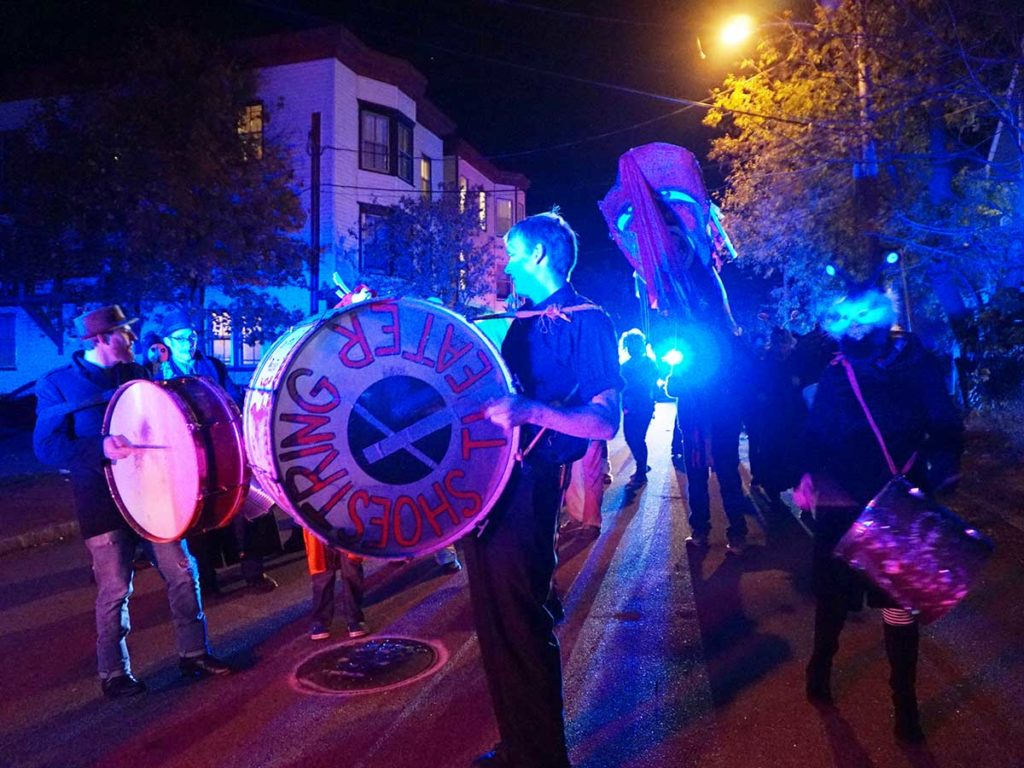 West End Halloween parade - shoestring band