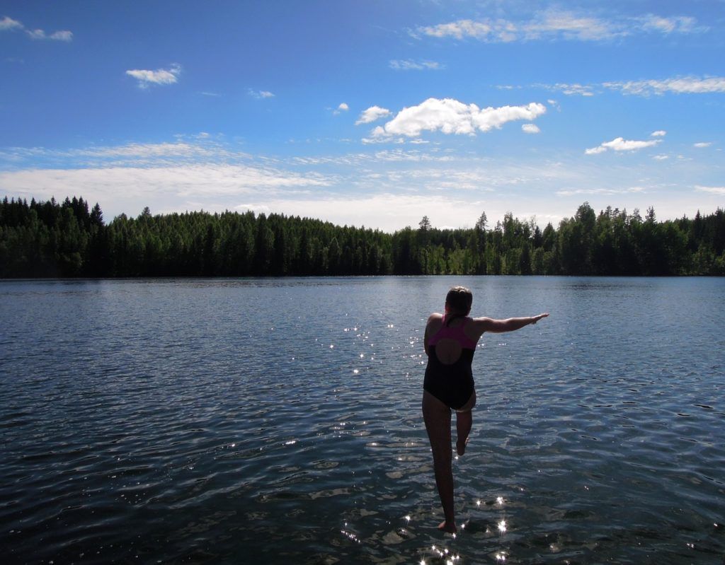 West End News - Camp Alsing - Stock photo girl dive in lake