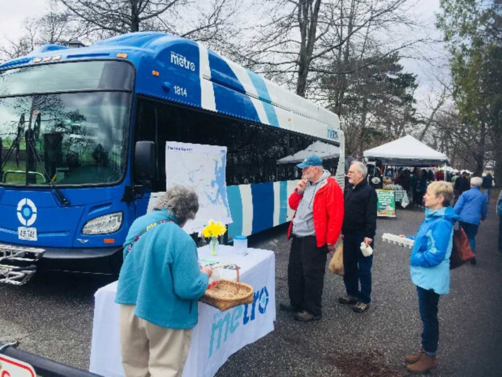 West End News - New Buses for METRO - New bus on display at Farmers' Market