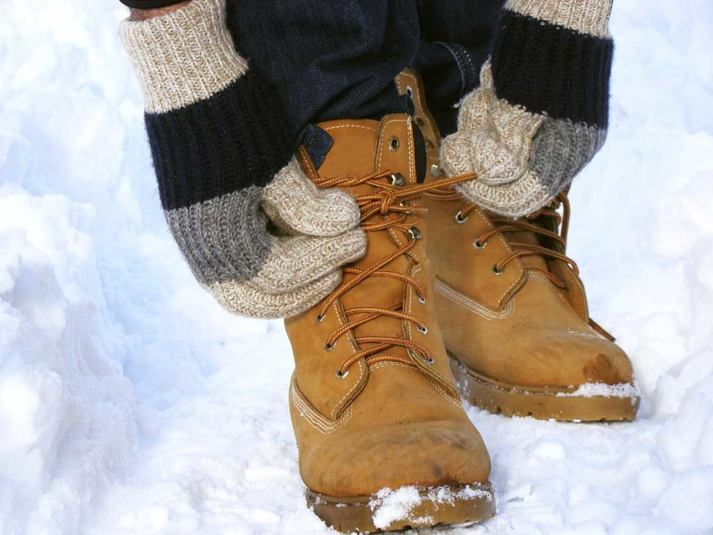 West End News - Be safe during winter weather. Wear mittens and waterproof, insulated boots are best. Watch for hypothermia and frostbite, symptoms include numbness and flushed gray, white, blue, or yellow skin discoloration. © hobitnjak / Adobe Stock