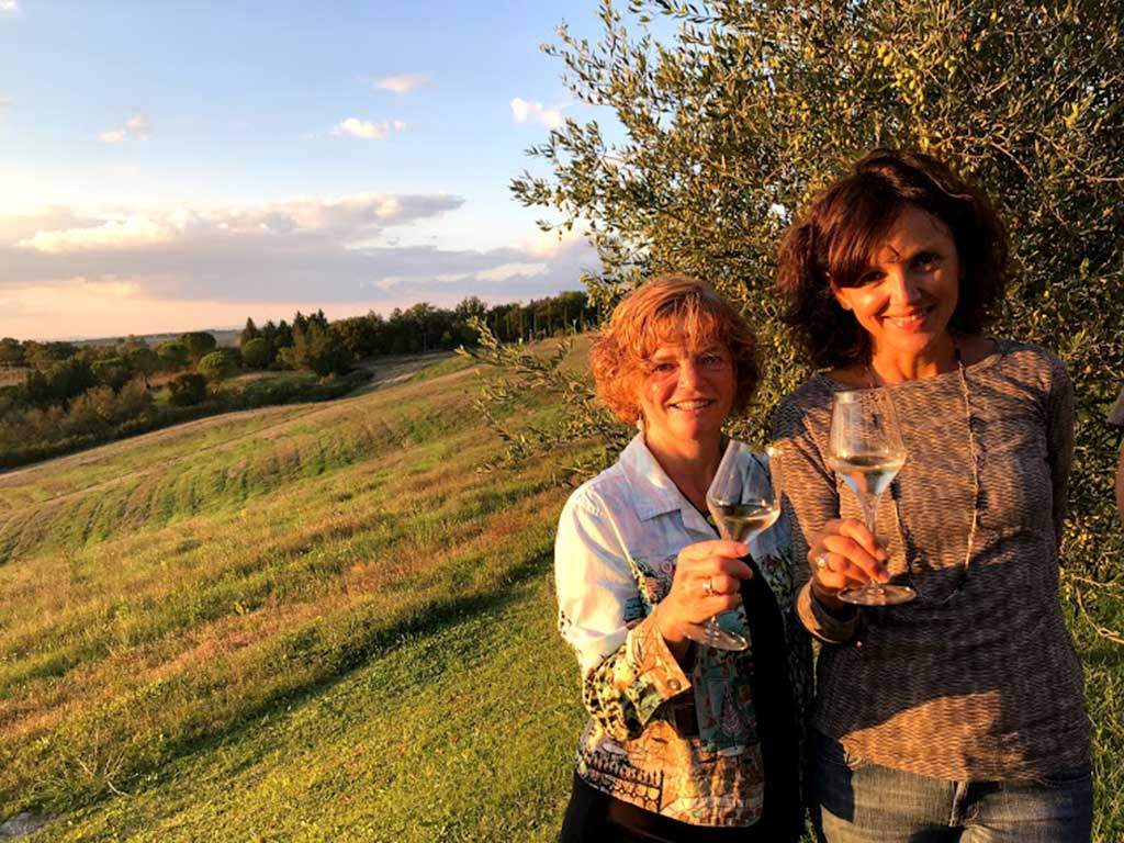 West End News - Nancy Dorrans with in Tuscany with Claudia of Siciliy